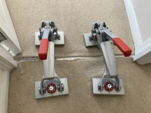 Edging carpet stretch in progress (B)